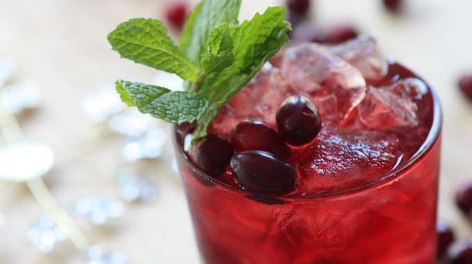 5 Great Natural Substitutes For Sugary Soda
