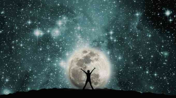 Virgo Full Moon: Time to Get Grateful and Grounded