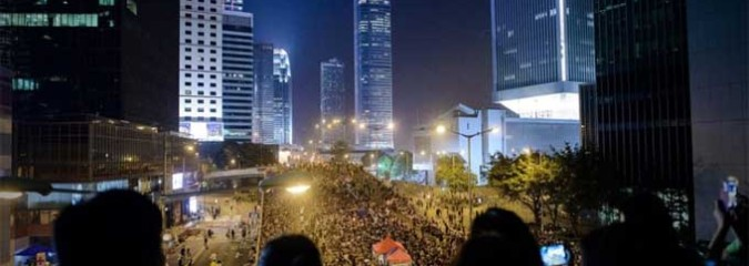 Hong Kong Protesters Defiant After Government Threatens Crackdown by Monday