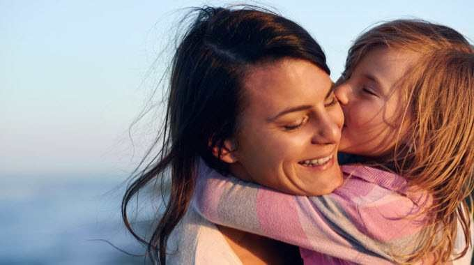 10 Priceless (And Free) Gifts For Parents To Give Their Child