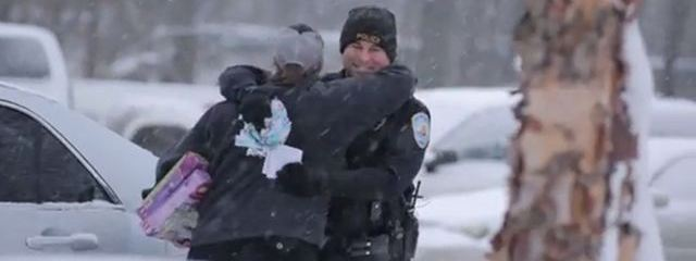Michigan Police Play Santa Claus ~ Give Gifts To Surprised Motorists