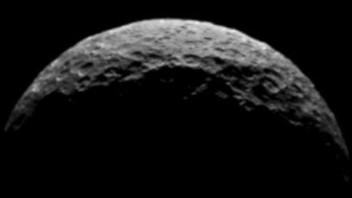 Dawn Glimpses Ceres' North Pole, Magnetic Storm, Arctic Ice | S0 News April 17, 2015