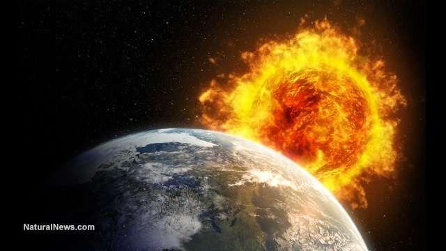 Jupiter Spots, Volcano, Landslide | S0 News December 1, 2015
