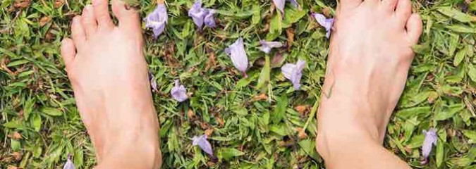 Earthing Is Gaining Popularity: What It Is & How It Can Help You Fight Disease