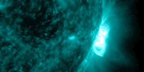 M-flare, Magnetic Pulsations, Dominca Devastated by Erika | S0 News August 30, 2015