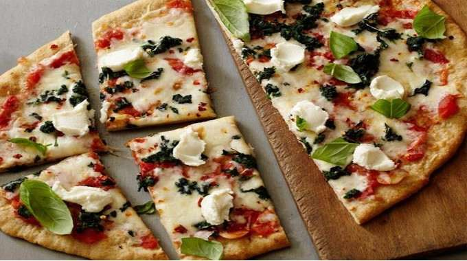 Healthy-Spinach-and-Ricotta-Pizza-compressed.jpg
